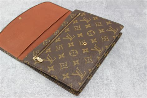 L Is Vuitton Clutch louis vuitton monogram canvas pochette rabat clutch