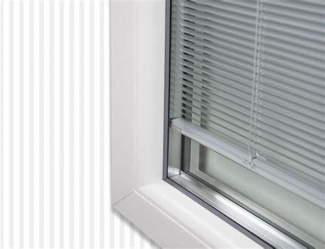 persiane veneziane veneziane interno vetro d v serramenti in pvc e alluminio