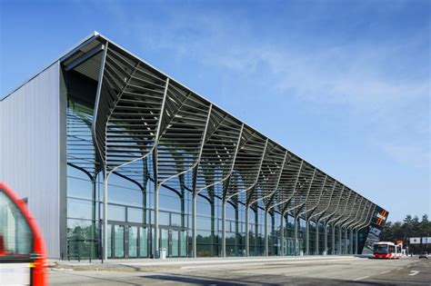 Slope Ceiling tree like columns support nuremberg exhibition hall by