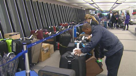 united baggage claim united airlines passengers wait hours for baggage at dia