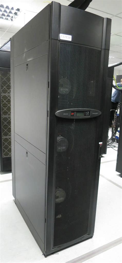Apc Data Racks by Apc Acra502 Inrow Rc 600mm Chilled Water Server Room Rack