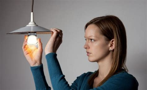 how to replace the light bulb in your climate controls youtube how to switch out your light bulbs and get ready for the big light bulb phase out inhabitat