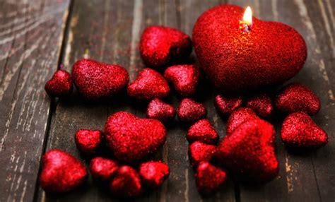 candele particolari sabato 14 febbraio cena di san valentino