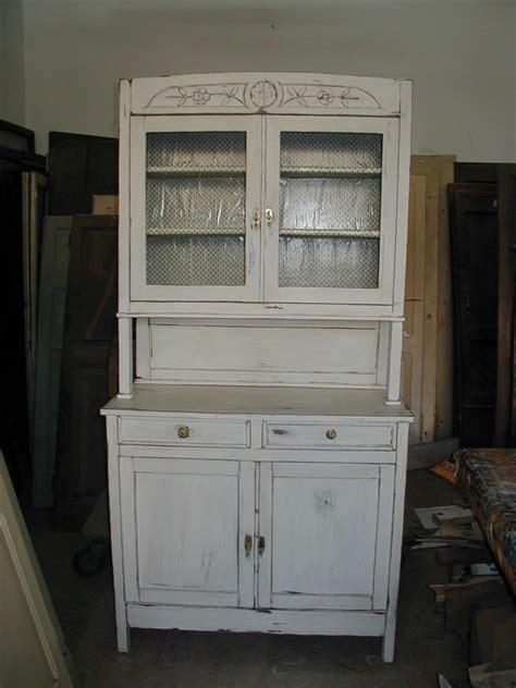 credenza shabby il riuso di porte portoni e mobili vecchi ed antichi