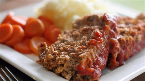 how long does it take to cook meatloaf per pound