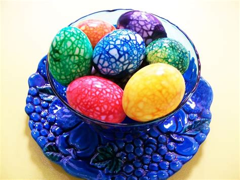 food coloring easter eggs marble easter eggs food coloring holidays