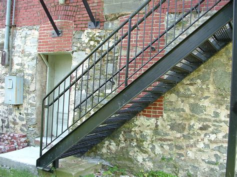 exterior staircase outside metal staircase cute מדרגות pinterest