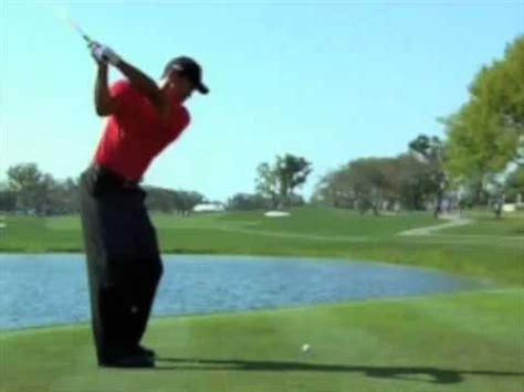 tiger woods golf swing in slow motion tiger woods driver swing 2008 slow motion youtube