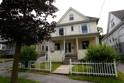 2 bedroom apartments for rent in syracuse ny 100 2 bedroom apartments for rent in syracuse ny apartment unit 2 at 1126 n glencove road