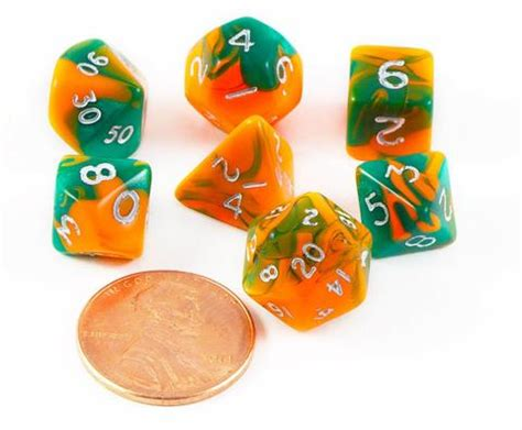 miniatur orang gamel toxic dice for rpg dice