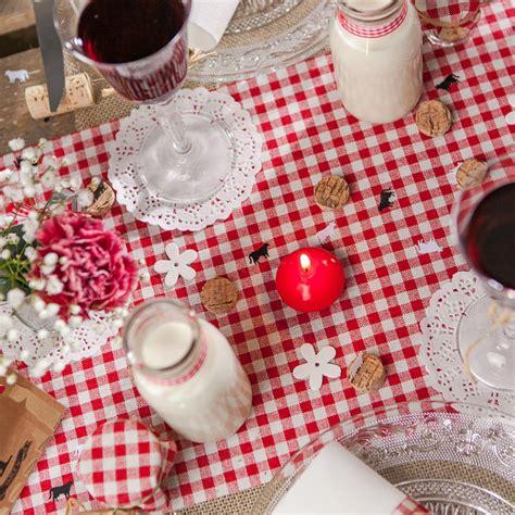 Charmant Serviettes De Table Tissu #2: Chemin-de-table-vichy-en-tissu-blancrouge-.jpg