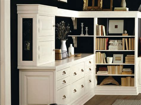 Decorá Cabinets   Cabinet Expressions