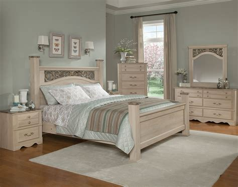 cream colored bedroom furniture torina traditional cream wood 5pc bedroom set w queen