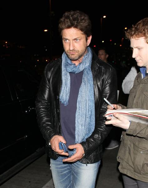 Lands In Los Angeles by Gerard Butler Photos Photos Gerard Butler Lands In La