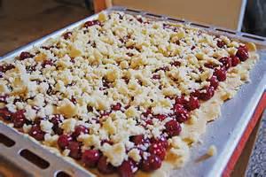 streusel kirsch kuchen kirsch streusel kuchen rezept mit bild danimausi