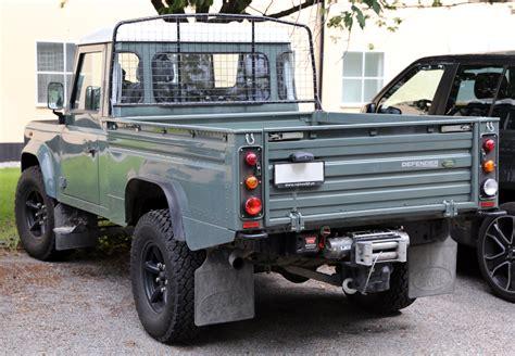 land rover 110 truck land rover defender military wiki fandom powered by wikia
