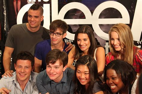 all about cast list of songs in glee season 1
