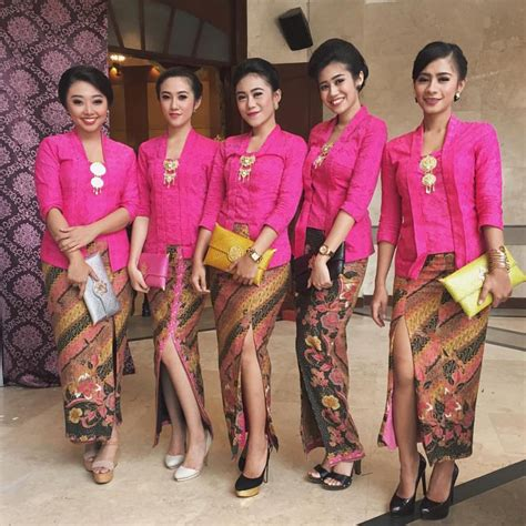 Kebaya Brokat Kutubaru Tunik 57 kumpulan gambar inspirasi kebaya modern indonesia