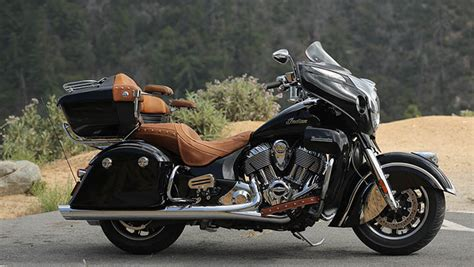 2015 Indian Roadmaster Thunder Black Motorcycle : Overview