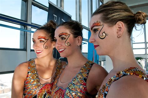 Make Up Irwan Team Make Up For Canada Teams Up With Olympic Synchro Team
