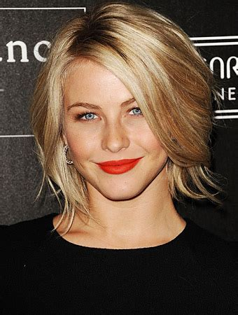 how does julienne hough style her hair i need a makeover help