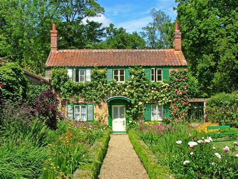 Cottage In The Country by Hoveton Gardens Norfolk Broads