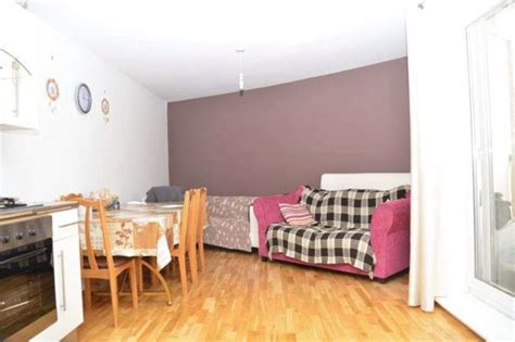 2 bedroom flat for sale in slough chalvey road west slough 2 bedroom flat for sale sl1
