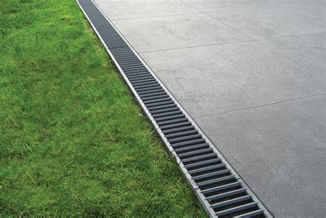 Drainage Channels For Patios by Aco Drain Systems Depot Bloc Laval Briques Et Pierres