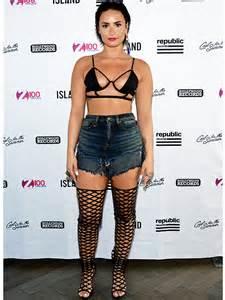 Vanity Tattoo Hours Demi Lovato Wears Bra Top And Cutoffs In N Y