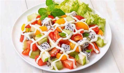 cara membuat salad buah tanpa yogurt resep makanan diet sehat salad buah saus strawberry