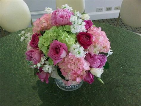 6 diy peony rose and hydrangea centerpieces for 50 lush centerpiece featuring hydrangeas roses ranunculus