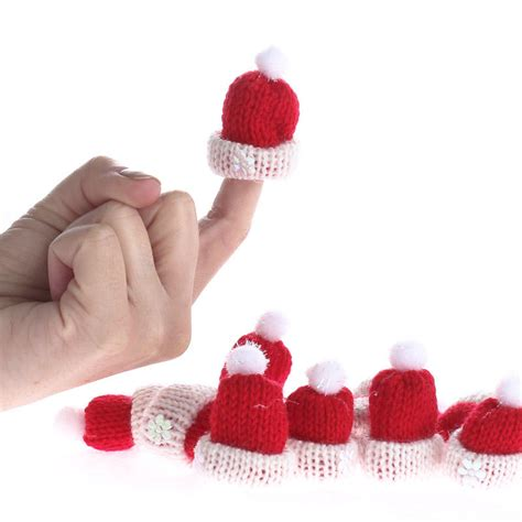 how to knit a tiny hat tiny knitted hats what s new crafts