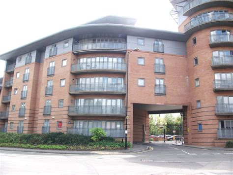 alvis house martin co coventry 2 bedroom flat to rent in alvis house manor house drive cv1