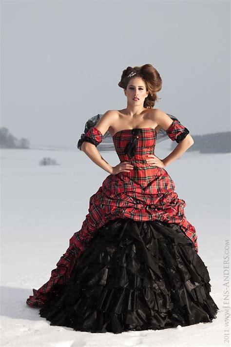 Besondere Hochzeitskleider by Lucardis Feist Besondere Brautmode Kleidung