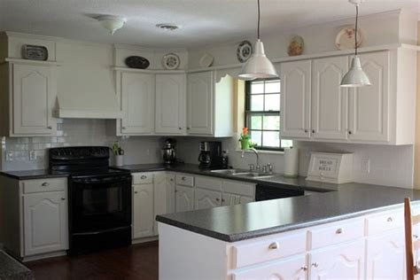 Budget Kitchen Countertops by Best 25 Tiled Kitchen Countertops Ideas On