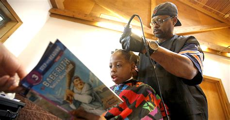 Hairstyle Books Free by This Barber Gives Free Haircuts To Children Who Read To