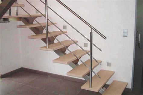escaleras de interior fotos foto escalera interior de madera y acero inoxidable de