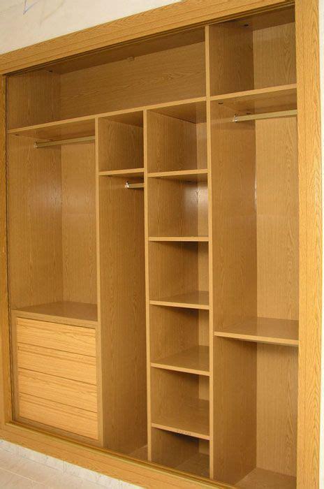 interiores de armarios roperos m 225 s de 1000 ideas sobre interiores de armarios empotrados