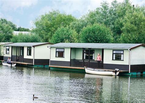 boat shop wroxham boating breaks in houseboats wroxham norfolk boat