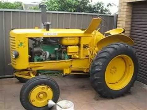 vintage renault vintage renault r3042 tractor running
