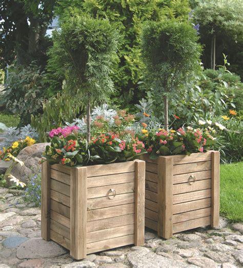 vasi in legno per esterno 17 migliori idee su fioriere da esterno su