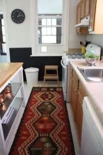 Rental Apartment Kitchen Makeover by 25 Best Ideas About Rental Kitchen On Small