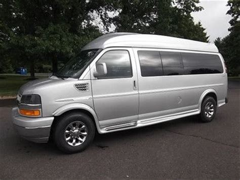 purchase used 2012 chevrolet express 9 passenger explorer