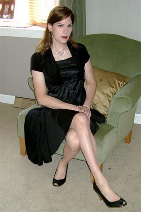 beautiful crossdresser party dress well dressed crossdressers and transgendered women
