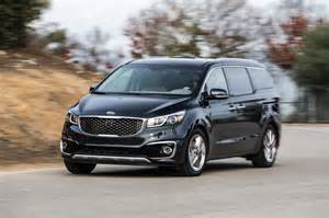 2015 kia sedona sxl front three quarter in motion 03 photo 9