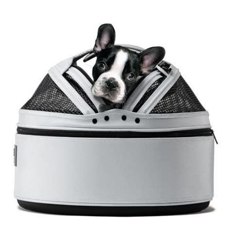 sleepypod mobile pet bed the upper paw the gift issue part 2 gifts for the dog lover