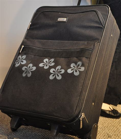 spray painting luggage white fabric stencil paint paint easy effective