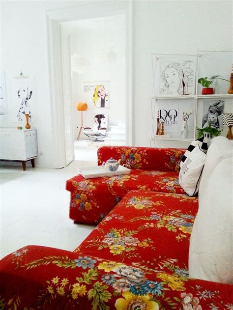 red floral couch best 25 floral couch ideas on pinterest