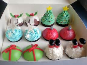 the pretty purveyor holy christmas cupcakes