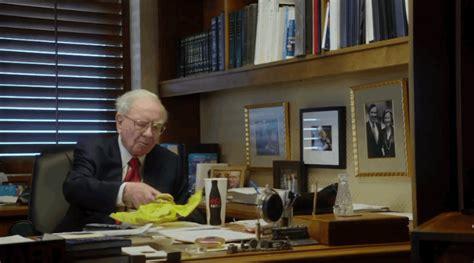 Warren Buffett The Office by Warren Buffett America S Most Investor Keeps A